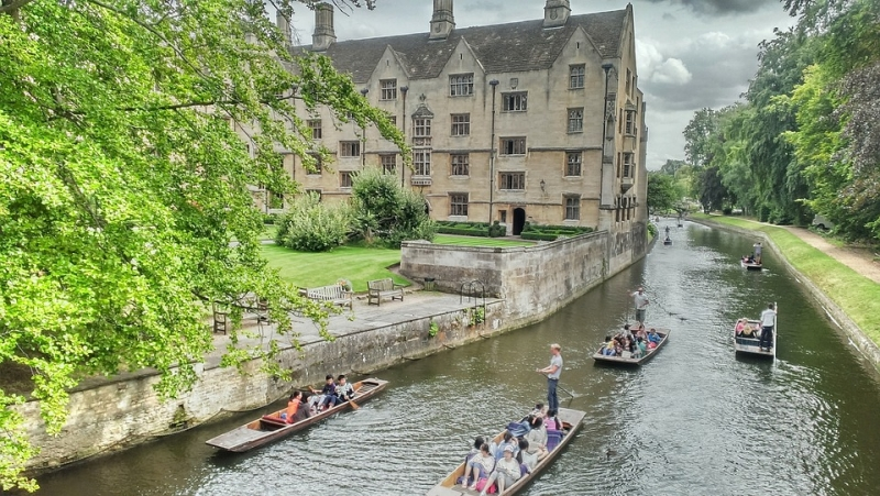 studiare all'estero navitas pathway per università UK